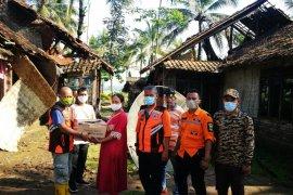 Puluhan rumah di Pandeglang rusak akibat angin puting beliung