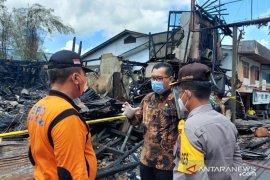 Pjs Bupati Sintang tinjau lokasi kebakaran ruko di dekat RSUD