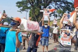 Warga Cigombong Bogor tolak rencana pembongkaran makam keramat