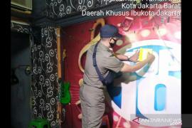 Satpol PP  Jakarta segel Top 10 karena layani tamu saat PSBB