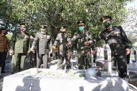 Jelang HUT Ke-75 TNI, Pangdam IM Ziarah ke TMP