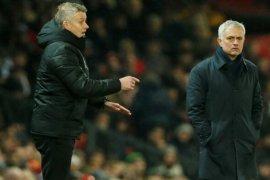 Solksjaer dan Mourinho perang urat syaraf jelang MU vs Spurs