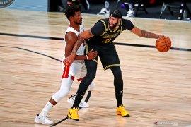 James dan Davis, bawa LA Lakers kembali ungguli Heat