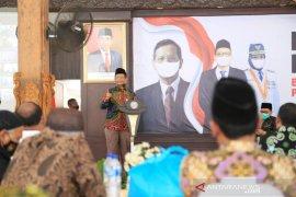 Mahfud kampanyekan penggunaan masker saat dialog kebangsaan di Probolinggo