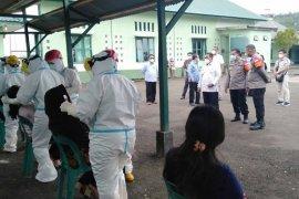Pjs Wali Kota Gunungsitoli berharap swab massal utamakan tenaga medis