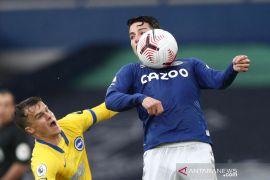 Klasemen Liga Inggris: Everton memimpin Aston Villa menempel urutan dua