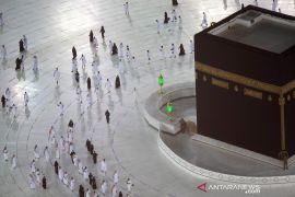 Masjidil Haram sambut jamaah umrah pertama di tengah pandemi pada Minggu pagi