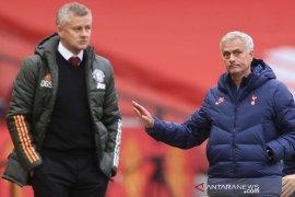 Patrice Evra emosional kecam Manchester United setelah kalah dari Hotspur