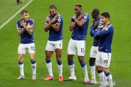 Klasemen sementara Liga Inggris masih dipuncaki Everton