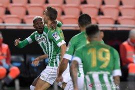 Betis pecundangi  Valencia 2-0 di Mestalla