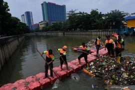 North Jakarta braces for flooding amid downpour