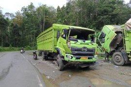 Mobil truk alami kecelakaan di jalan lintas Sumatra Kerinci