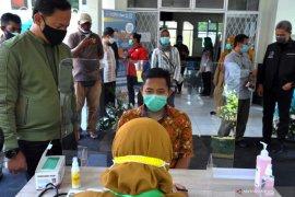 Vaksinasi untuk lindungi masyarakat dari COVID-19