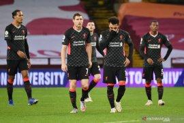 Van Dijk menyerukan agar Liverpool tetap tenang usai dibantai Aston Villa