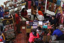 Dorong digitalisasi pasar batik