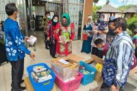 Dispersip Kalsel pinjamkan 1.000 buku ke Dinas Perpustakaan Balangan
