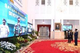 Presiden Jokowi sapa prajurit di perbatasan, tanyakan kelancaran gaji dan tunjangan