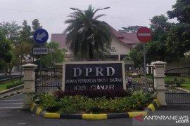 Korban banjir dan longsor dapat bantuan DPRD Cianjur