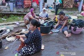 Pemkab melalui Perumdam pasok air bersih korban banjir Cianjur