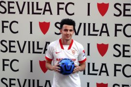 Liga Spanyol - Sevilla beli Karim Rekik dan Oussama Idrissi, nilai transfer Rp215 miliar