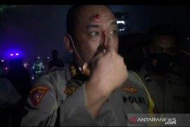 Aksi demo mahasiswa ricuh, Karo Ops Polda Banten Kombes Amiludin dan seorang bintara terluka terkena batu
