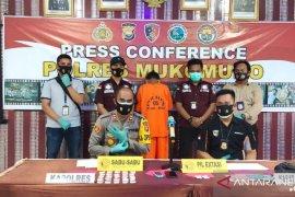 Polisi kembangkan kasus narkotika di Mukomuko