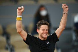 Schwartzman melaju ke semifinal French Open, setelah kalahkan Dominic Thiem