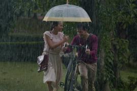 "Hal menarik dari film ""Seperti Hujan yang Jatuh ke Bumi"""