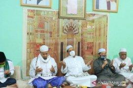 Ibnu-Arifin sowan ke Majelis Guru Sidik di Kelayan A