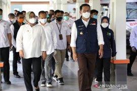Ridwan Kamil semangati tenaga kesehatan di RSUD Cibinong