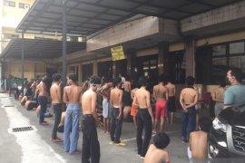 Polisi amankan 64 pelajar hendak demo ke DPR