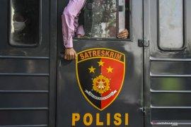 Perpres vaksin COVID-19 diteken hingga buruh tak ke Jakarta