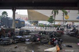 Aksi Tolak Omnimbus Law di Palembang Berakhir Ricuh Page 2 Small