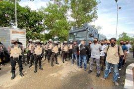 Polda Maluku gunakan konsep protagonis hadapi aksi unjuk rasa omnibus law