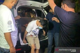 Dua pelaku curas ancam korban dengan pisau di Kalideres ditangkap polisi