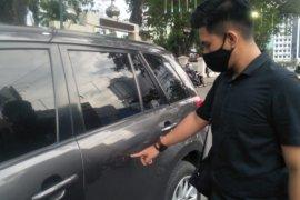 Pengunjuk rasa rusak sejumlah kendaraan dinas Polda Sumut
