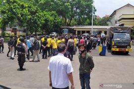 Polisi tangkap 209 orang hari kedua unjuk rasa di DPRD Jabar