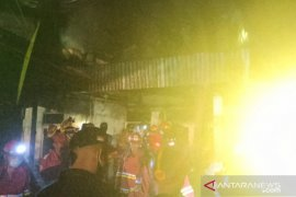 Polres Singkawang selidiki kebakaran rumah di Pasiran