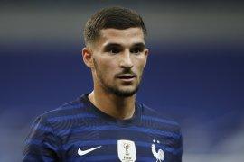 Gagal pindah klub, Houssem Aouar mengaku tetap senang di Lyon