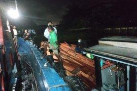 Polair Polda Kalbar sita seribuan batang kayu olahan ilegal