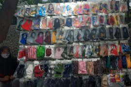 BSN tetapkan standar, omzet penjual masker kain di Serang menurun derastis