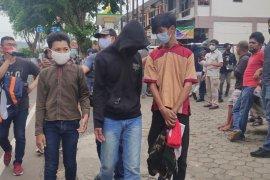 Tiga pelajar SMA ditahan karena terlibat aksi unjuk rasa