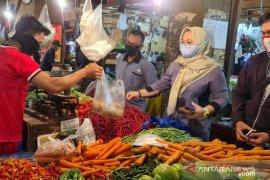 Pedagang pasar di Kabupaten Bogor wajib kenakan masker