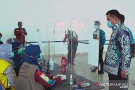 Pjs Wali Kota tinjau penerapan prokes di Bandara Syamsudin Noor