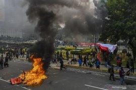 Aparat gabungan awasi lima titik kumpul buruh di Jakarta Timur