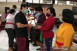 Konjen RRT Denpasar donasi smartphone ke siswa 16 sekolah
