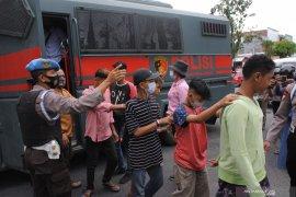 Polisi amankan sepuluh remaja diduga akan ikut unjuk rasa di Istana Merdeka