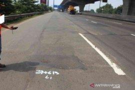 Jasa Marga lanjutkan rekonstruksi pengerasan jalan Tol Jakarta-Cikampek