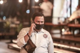 Tim Eri-Armuji laporkan penyebar hoaks timses dari ASN Surabaya