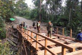 Satgas TMMD hampir selesaikan jembatan Ketungau Tengah Sintang